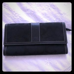 Coach classic trifold wallet